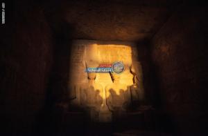 بالصور  ..  شاهد ظاهرة لم تحدث منذ 33 قرنا ..  مصر تحتفل بتعامد الشمس على وجه رمسيس الثاني