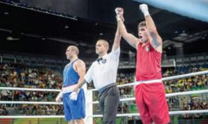 البطل الأولمبي حسين عشيش خامس العالم في الملاكمة