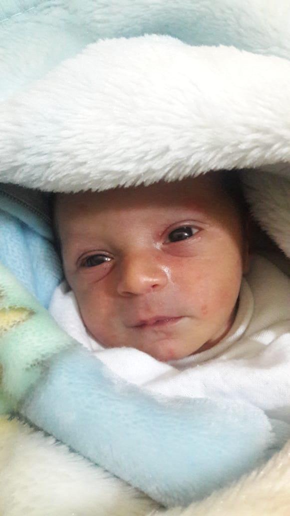 """بالصور  ..  لاجىء سوري يطلق على مولوده اسم """"أردن"""" بسبب موقف حصل بينه و بين الجيش"""