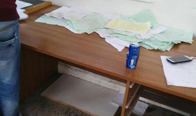 """تقرير حكومي يؤكد عدم التزام موظفي """"جمرك مركبات الزرقاء"""" ببدء الدوام"""
