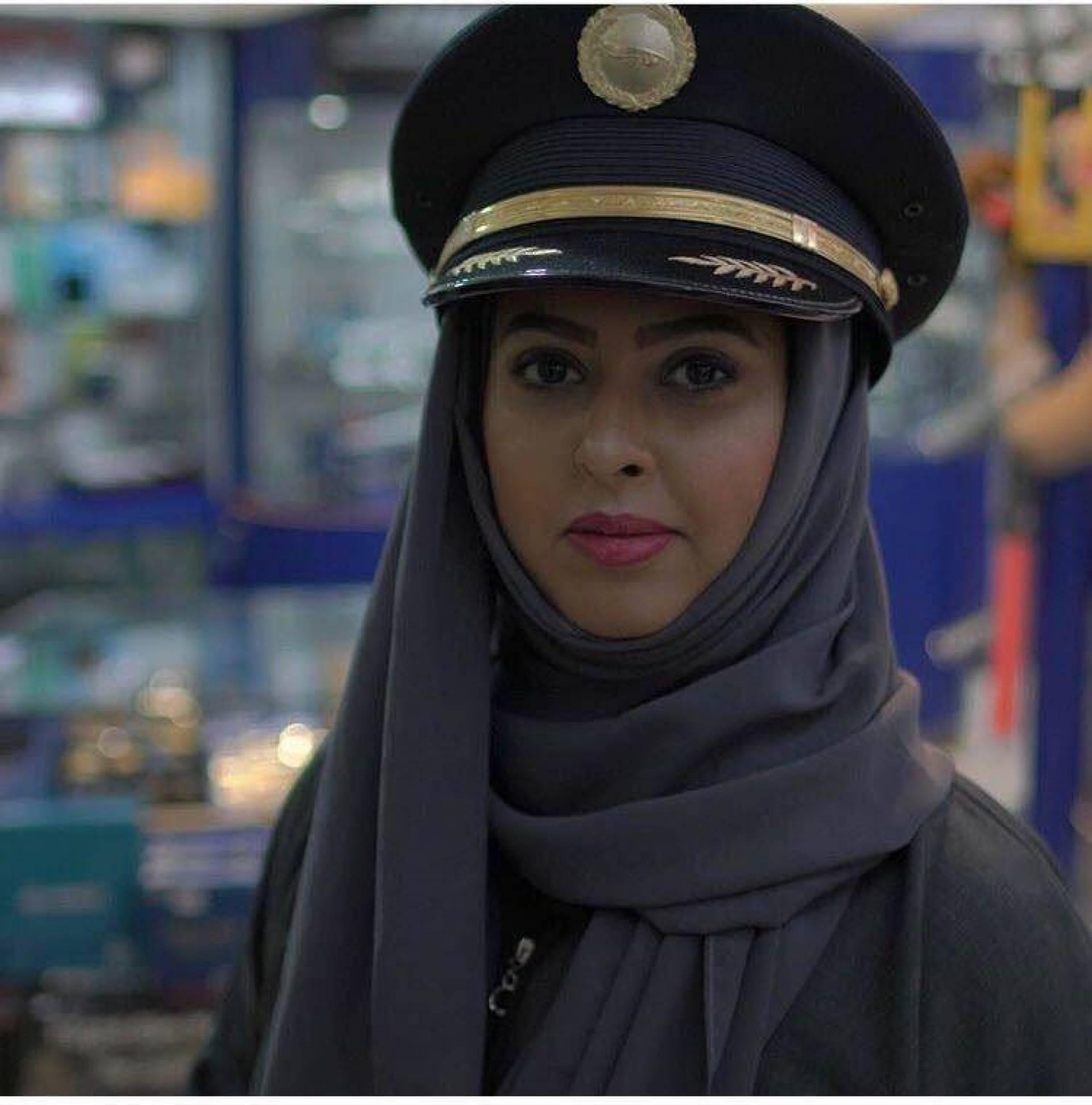 ياسمين الميمني  ..  أول سعودية تقود رحلة طيران رسمية