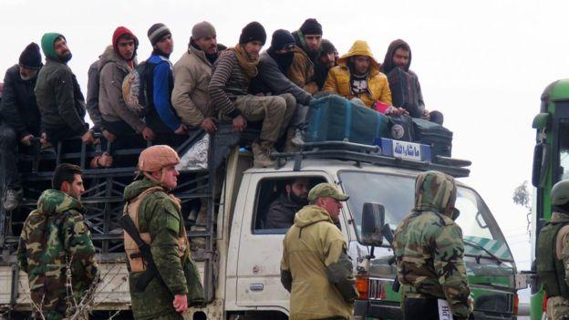 اتفاق جديد لإجلاء آلاف من الأشخاص في مناطق مختلفة من سوريا