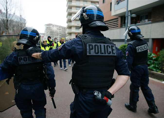 طعن 3 اشخاص في هجوم قرب مقر صحيفة «شارلي إبدو» السابق بباريس