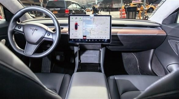 """تطوير سيارة """"تيسلا"""" مستقلة تماماً هذا العام"""