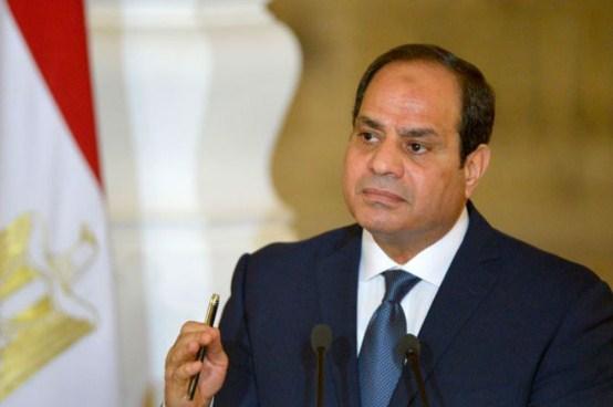 عاجل  ..  السيسي يطيح بمدير المخابرات العامة و يعين اللواء عباس كامل لتسيير الأعمال