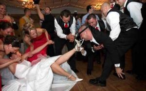 صور أغرب 10 حالات زواج في العالم