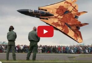 بالفيديو .. عندما تقترب أقوى المقاتلات الحربية من الأرض …أحترس