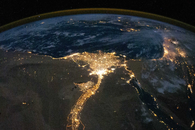 المصريون 104 ملايين نسمة