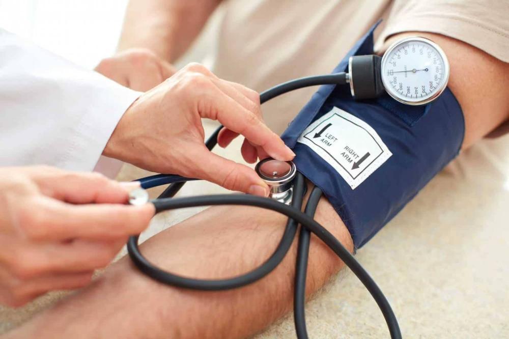هل يزيد ارتفاع ضغط الدم خطر الإصابة بفيروس كورونا؟