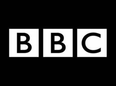"""صحافيو """"بي بي سي"""" يضربون احتجاجا على عمليات تسريح"""