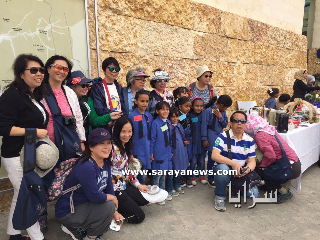 مبادرة لمدرسة نائية للترويج للمنتج السياحي الأثري في مركز زوار البترا... صور