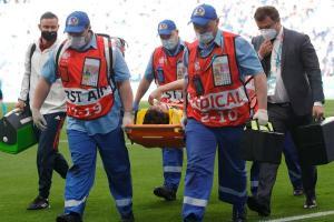 نجاة فرنانديز لاعب روسيا من إصابة في العمود الفقري أمام فنلندا