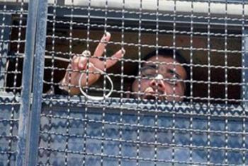 كيف يعيش الأسرى في سجون الاحتلال في ظل البرد القارص ؟