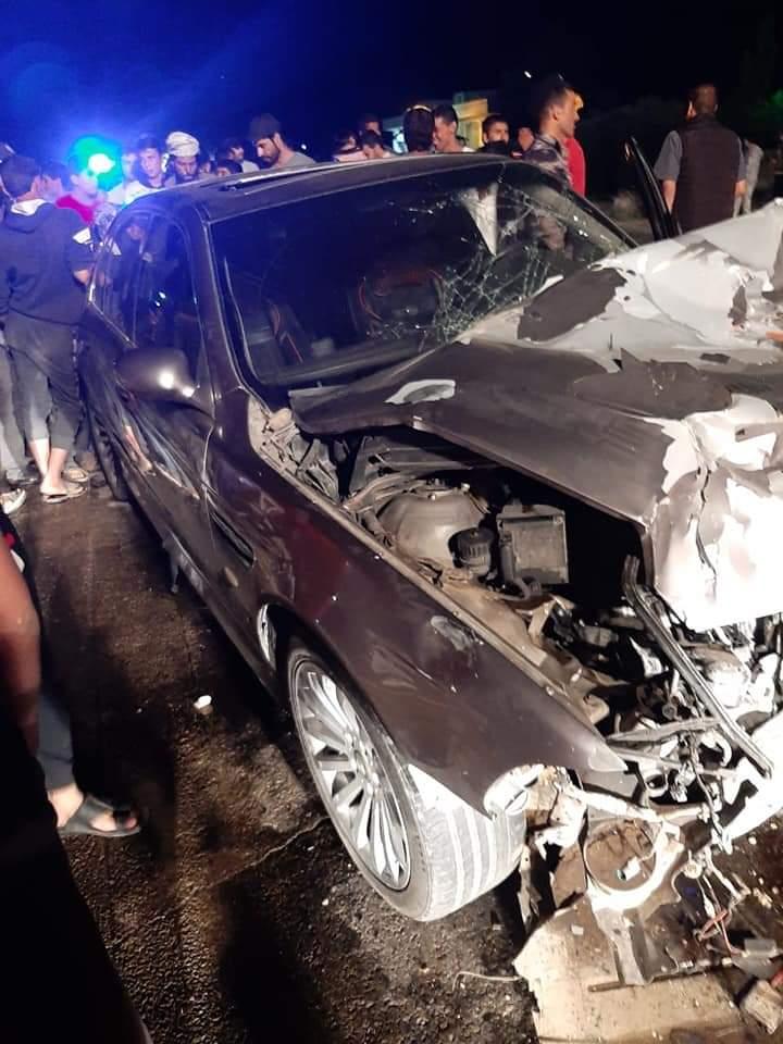 وفاة واصابتين احداها بالغة إثر حادث تصادم بين مركبتين بالمفرق