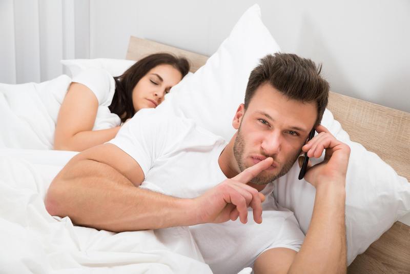 كيف أتصرف مع زوجي الخائن ؟