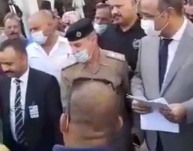 """وزير عراقي يسخر من شخص لديه 9 أطفال و يشكو إليه فقره : """"تاخذ فياغرا"""""""