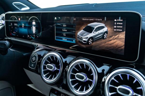 التقنيات الذكية في مرسيدس قد تصبح أعلى قيمة من سياراتها!