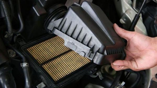 ما أهمية فلتر الهواء في السيارة ومتى يجب استبداله؟