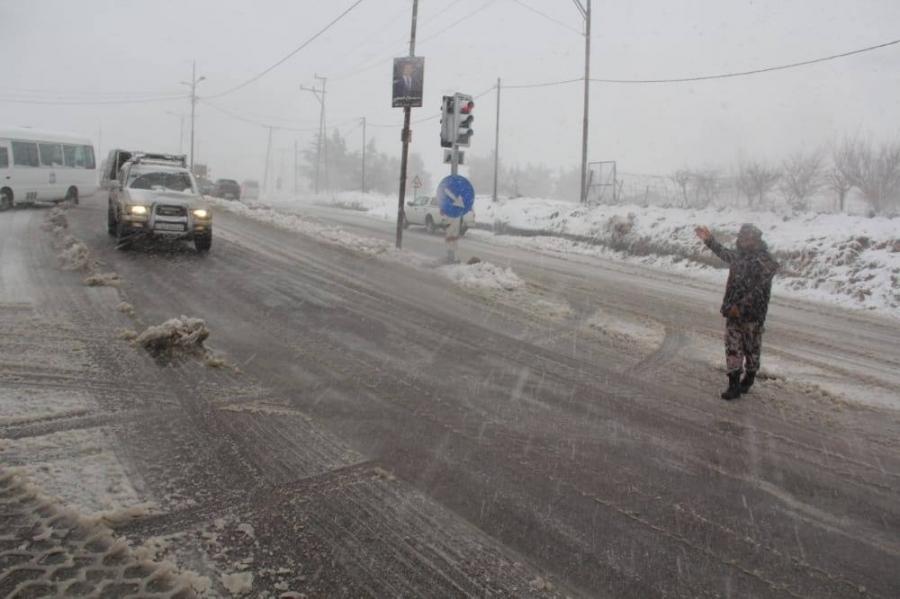 الامن العام :  نحذر من الخروج من المنازل الا للضروره القصوى في ظل الظروف الجوية السائدة