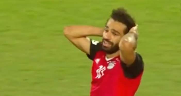 بالفيديو ..  رد فعل محمد صلاح على أصعب لحظة في مباراة مصر والكونغو