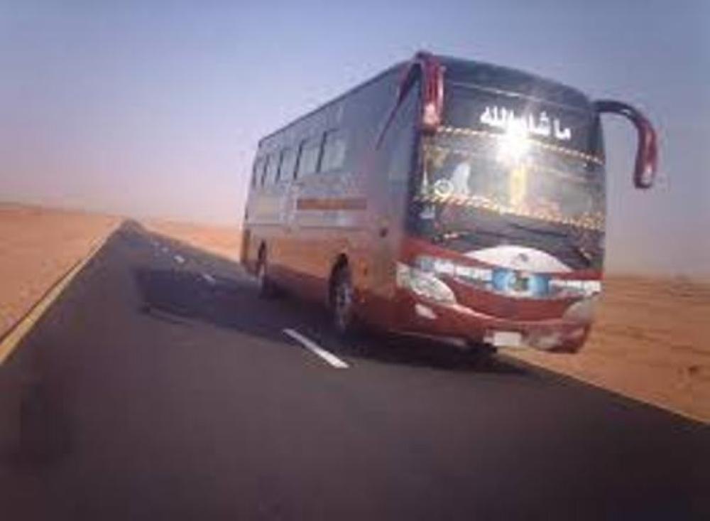 """البحث عن مركبة قامت بمضايقة حافلة عمومي على """"الصحراوي"""""""