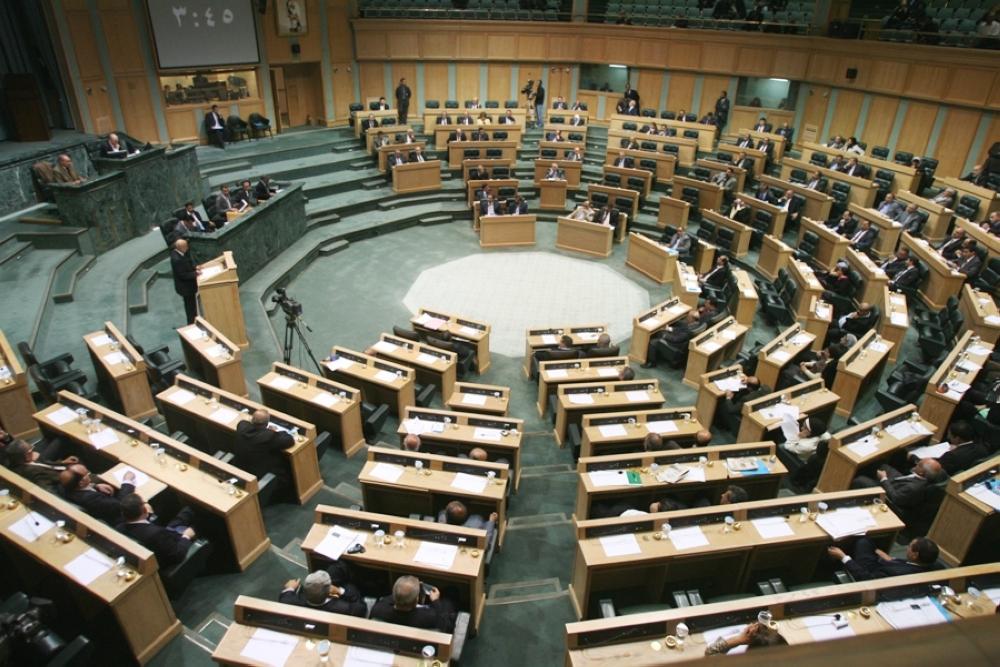 """""""النواب"""" يطلب من الصحفيين مغادرة القبة لمناقشة الرد على خطاب العرش - فيديو"""