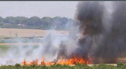 امرأة تنتقم من زوجها بعد مشادة كلامية بينهما بإشعال النار في أملاكه