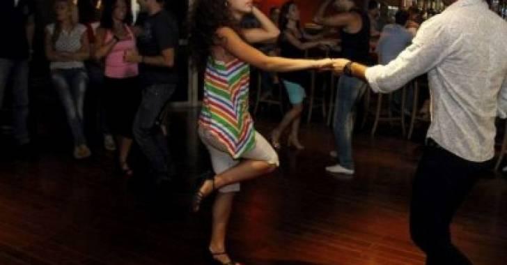 مدارس للرقص في عمان تثير مواقع التواصل الاجتماعي .. و وزير الثقافة لسرايا :ليس لنا علاقة بذلك
