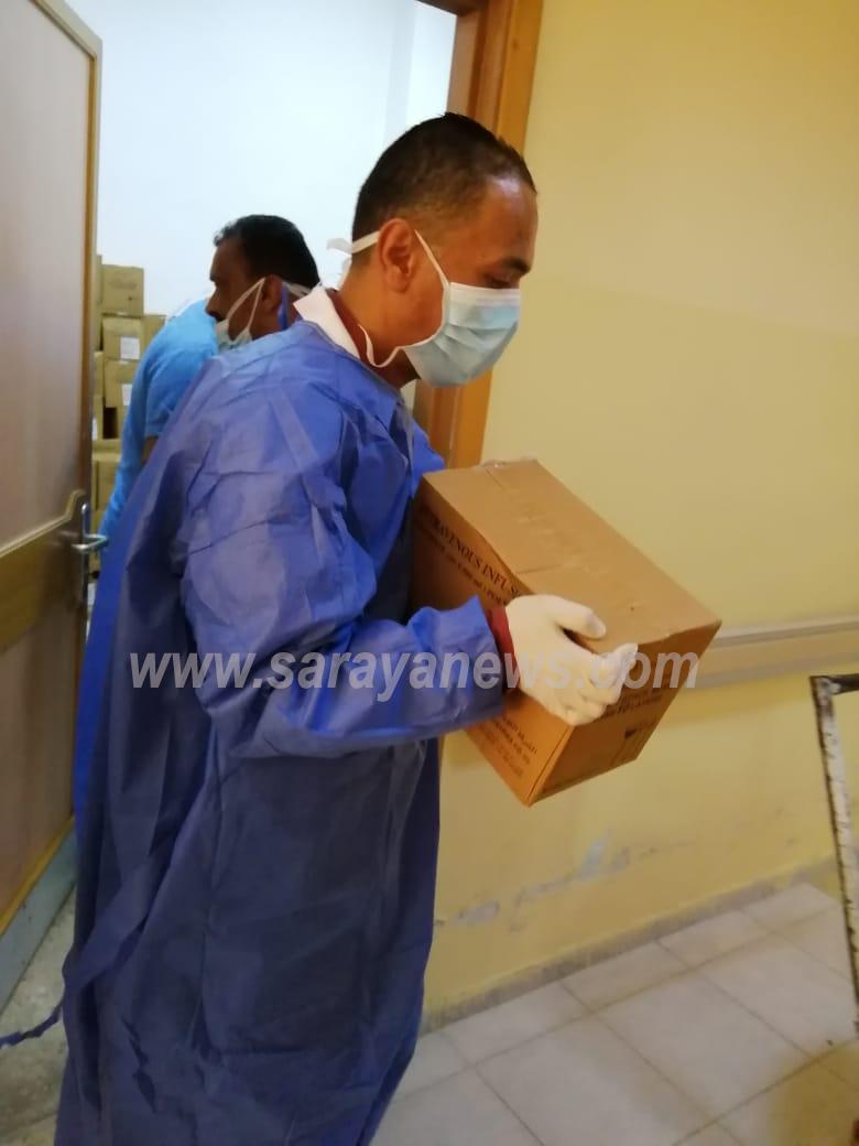 بالصور: موظفوا مستشفى معاذ بن جبل يطلقون مبادرة تطوعية تعنى بتوزيع الأدوية المزمنة على المرضى