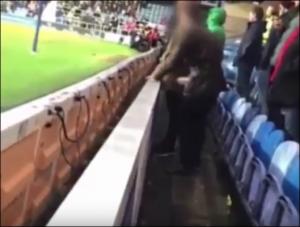 بالفيديو : اعتقال مشجع بعد فيديو مقزز ..  تبول في قنينة حارس المرمى