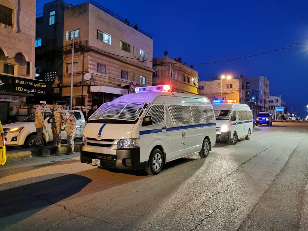 """""""الأوبئة"""" توصي بحظر الجمعة وتقليص ساعات التجول 9 للمنشآت و10 للمواطنين"""