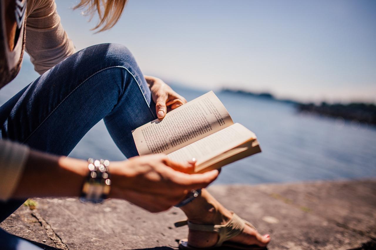 كتب وروايات متوسطة الحجم وممتعة يُمكنك أن تُنهيها في يومين أو ثلاثة على الأكثر