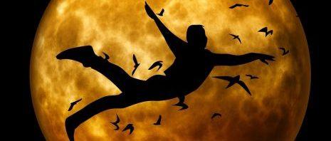 تفسير رؤية من وجد نفسه يطير في المنام