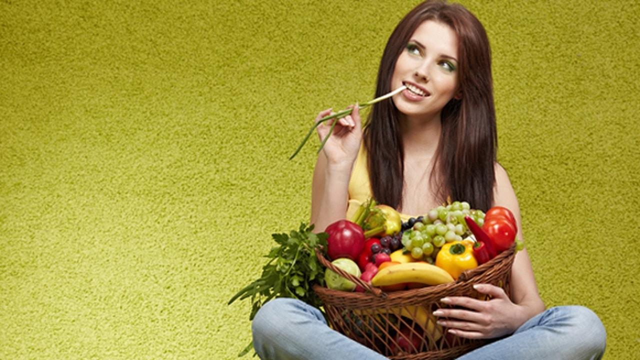 8 أنواع مأكولات لمحاربة الشيخوخة: تناولها لشبابٍ دائم!