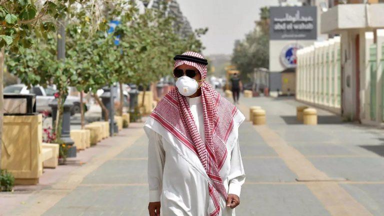 """السعودية ..  حالة وفاة و99 إصابة جديدة بـ""""كورونا"""""""