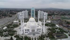 الملك يُهنئ الشيشان بافتتاح مسجد سيدنا محمد