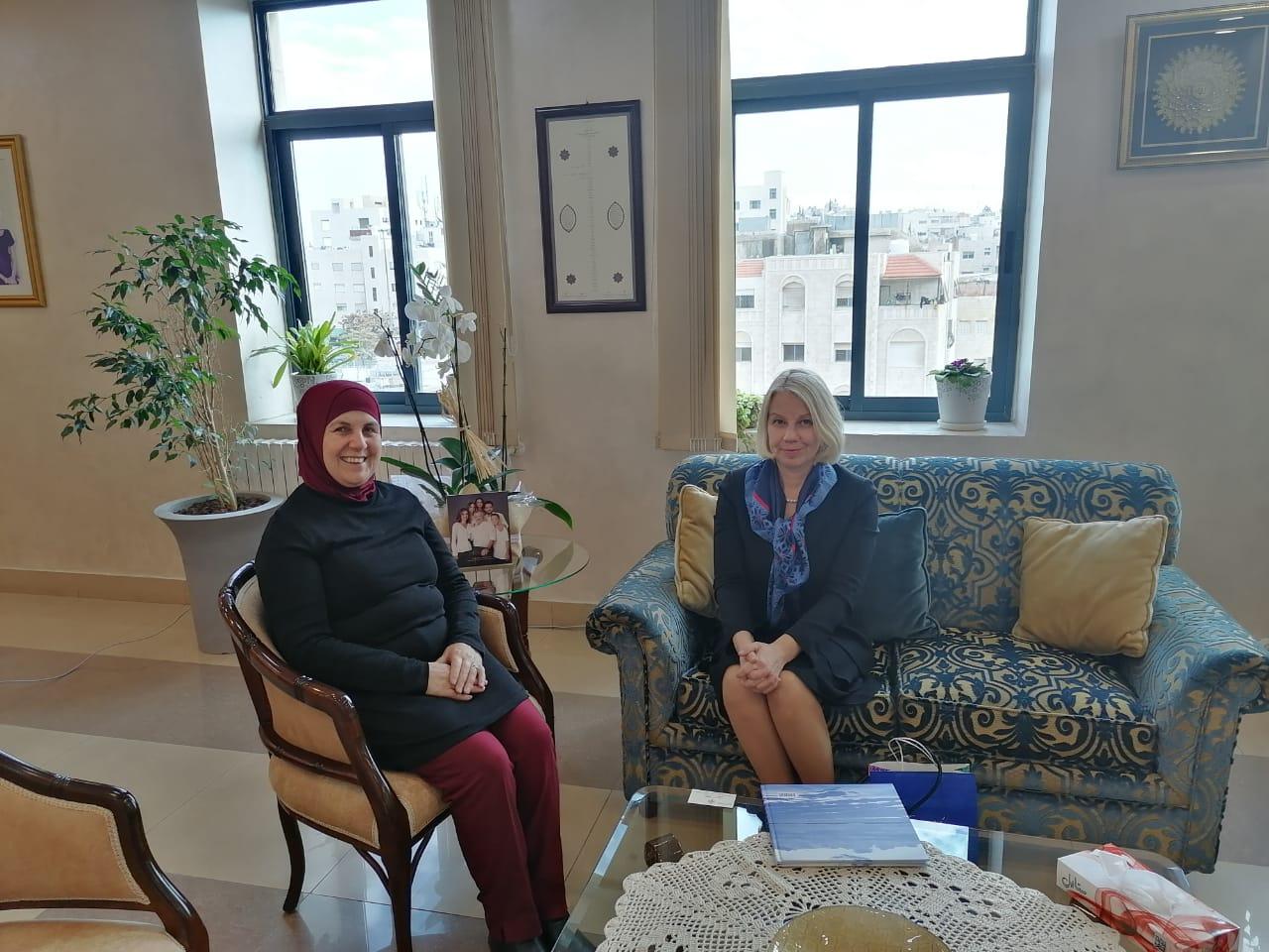 وزيرة التنمية الاجتماعية  تستقبل السفيرة الفنلندية المعتمدة لدى المملكة
