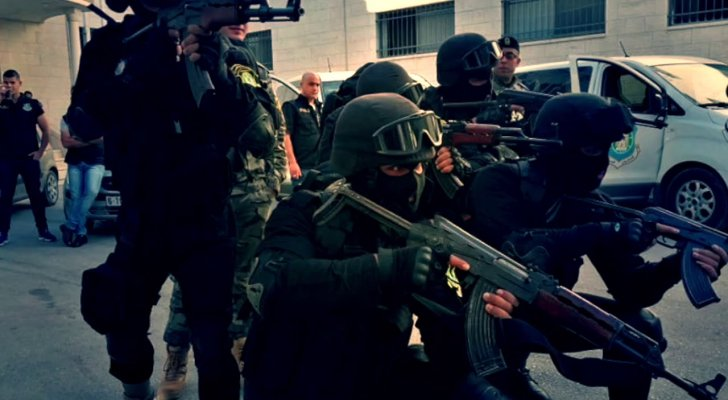 المخابرات الفلسطينية تقبض على قاتل لاجئة فلسطينية باليونان