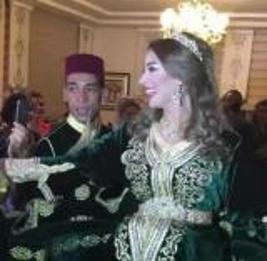 بالفيديو : خطوبة الفنانة المغربية جنات لمحامٍ مصري