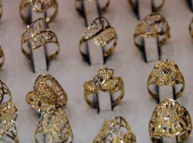 ارتفاع الذهب بمقدار دينار للغرام