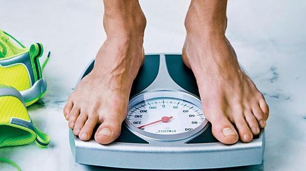 العلم يؤكد  ..  هذه أفضل 10 أطعمة لخفض الوزن
