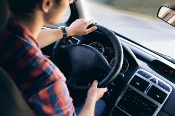بخطوات بسيطة ..  تخلص من آلام الظهر أثناء القيادة