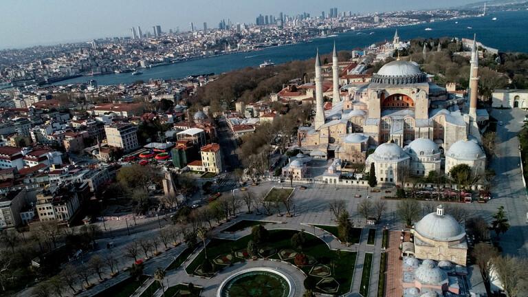 المحكمة الإدارية العليا في تركيا تصدر قرارا يلغي وضع أيا صوفيا كمتحف مما يمهد الطريق لتحويله إلى مسجد