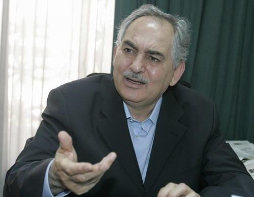 """الوزير الاسبق """"الحباشنة""""يرد على شائعات منحه 700 شخص الجنسية الاردنية"""