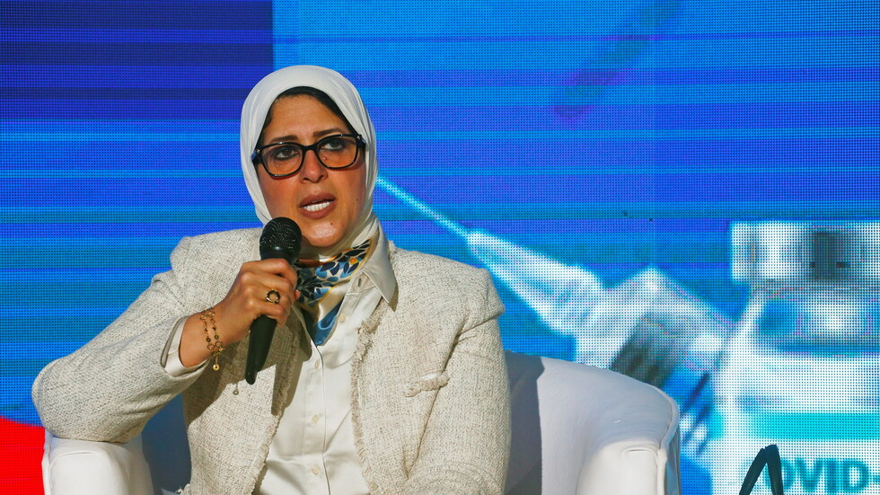 السلطات المصرية تكشف عن رسوم لقاح كورونا وشرط تلقيه