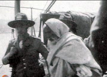 """حوار بين الشهيد """"عمر المختار"""" وضابط إيطالي قبل إعدامه بلحظات"""