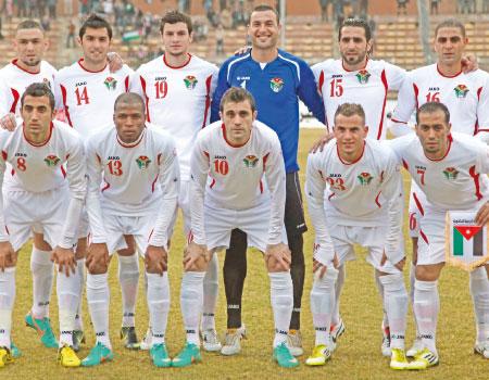 المنتخب الوطني لكرة القدم يُعلن تشكيلته اليوم
