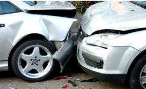 إربد: وفاة شخص وإصابة 5 آخرين إثر حادث تصادم