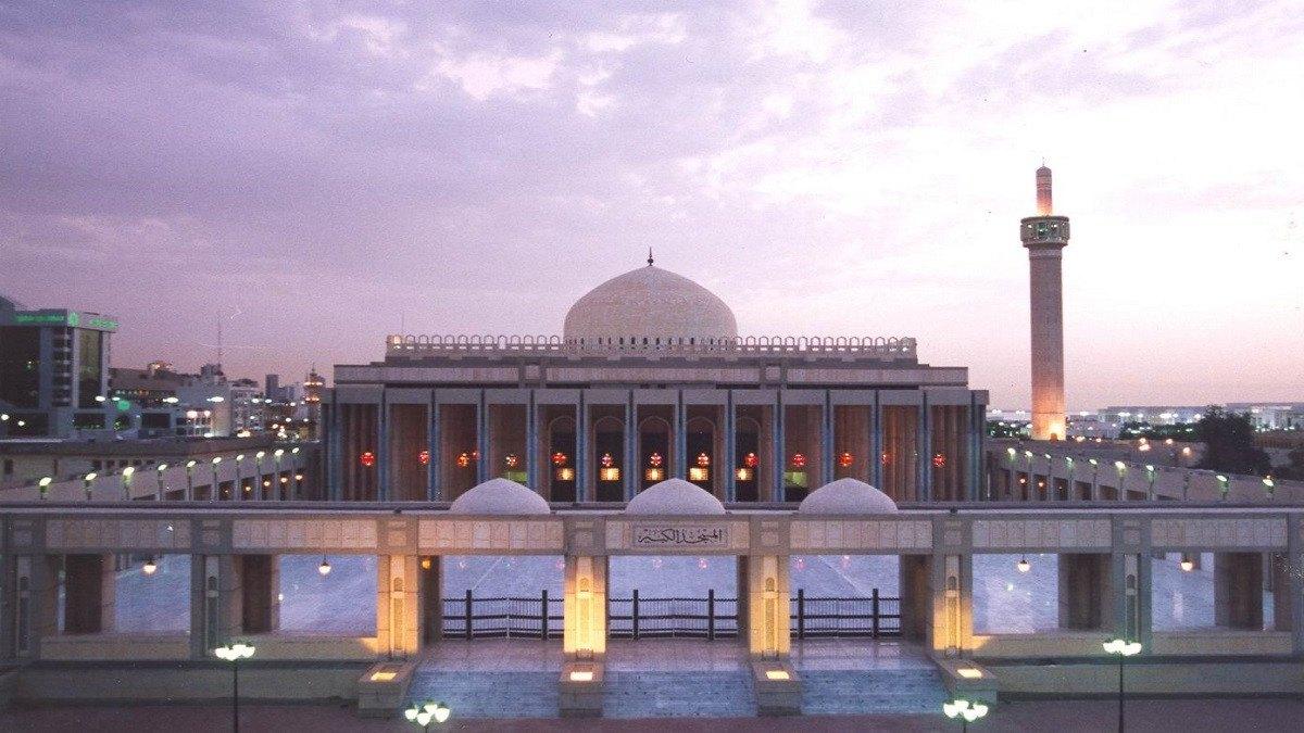الكويت تعلن عودة صلاة الجماعة في المساجد