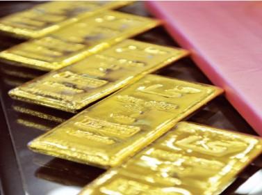 الذهب يستقر لكنه يسجل تراجعا أسبوعيا